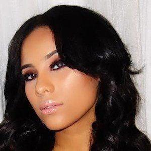 Cyn Santana 4 of 9