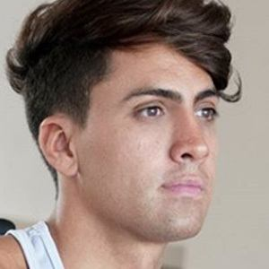 Damian Avila 4 of 4