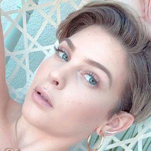 Dani Carbonari 3 of 6