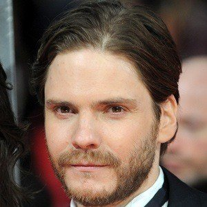 Daniel Bruhl 3 of 10