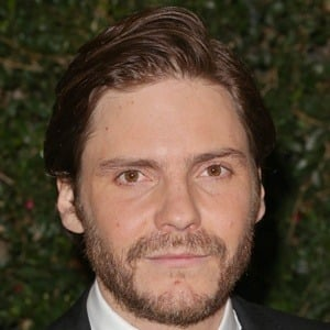 Daniel Bruhl 5 of 10
