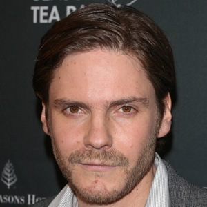 Daniel Bruhl 6 of 10