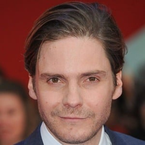 Daniel Bruhl 9 of 10