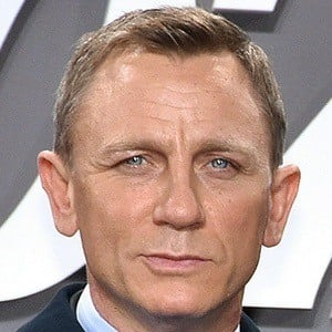 Daniel Craig 6 of 10
