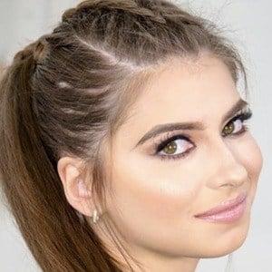 Daniela Aedo 3 of 6