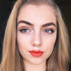 Daniela Alfaro 3 of 9