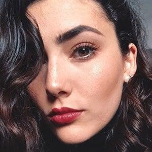 Daniela Alvarez 4 of 5