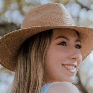 Daniela Arredondo Headshot 3 of 10