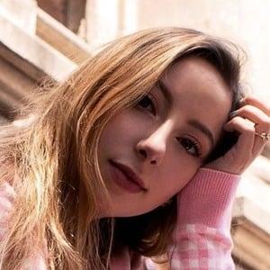 Daniela Arredondo Headshot 4 of 10