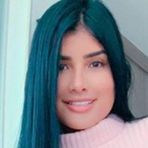 Daniela Duque 4 of 5