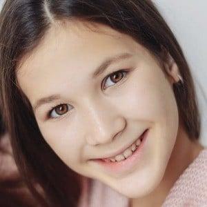 Daniela Golubeva 3 of 8
