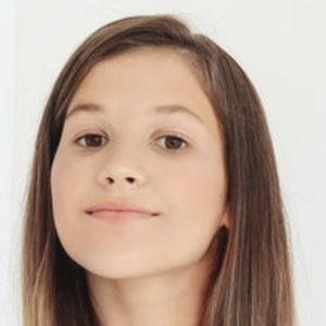 Daniela Golubeva 6 of 8