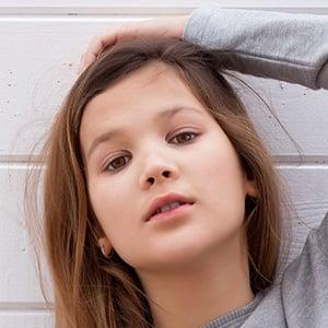 Daniela Golubeva 7 of 8