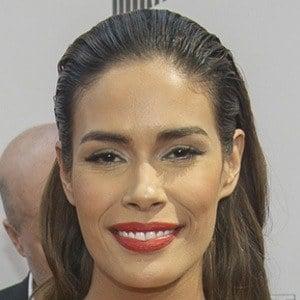 Daniella Alonso Headshot 5 of 8