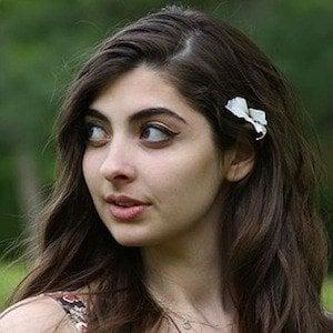 Daniella Levin 2 of 8