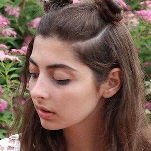 Daniella Levin 6 of 8