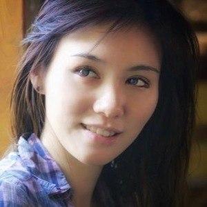 Daniella Sya 6 of 6