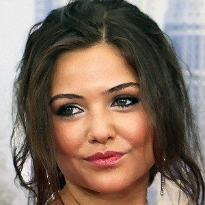 Danielle Campbell 2 of 9