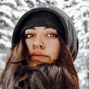 Danielle Mihalko Headshot 5 of 10