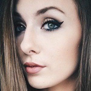 Danielle Renaee 3 of 4