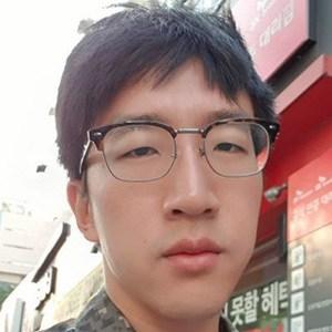 Danny Kim 3 of 4