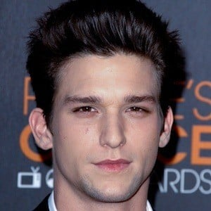 Daren Kagasoff Bio Family Trivia Famous Birthdays Daren kagasoff is an american actor known for starring as ricky underwood on drama series: daren kagasoff bio family trivia