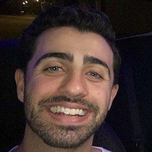 Darren Levy Headshot 8 of 10