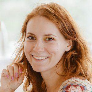 Darya Lozhkina 3 of 4