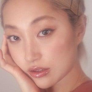 Dasha Kim 6 of 6