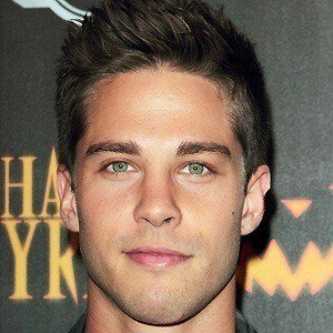 Dean Geyer 2 of 5