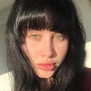 Deanna Dellia 5 of 6