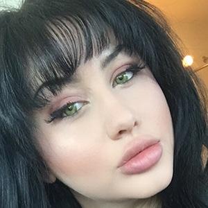 Deanna Dellia 6 of 6
