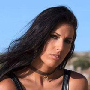 Debora Batista 6 of 6