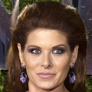 Debra Messing 7 of 10