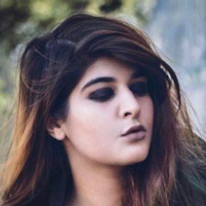 Deeksha Khurana 7 of 10