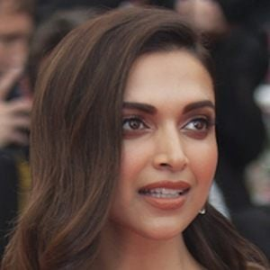 Deepika Padukone 6 of 7