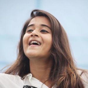 Deepthi Sunaina 6 of 6