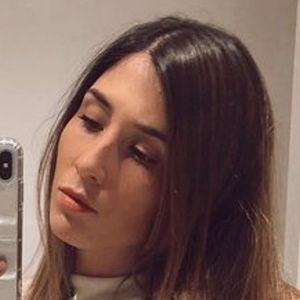 Delfina Roig Headshot 4 of 10