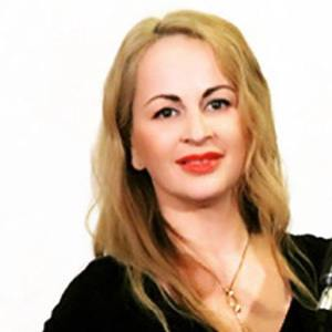 Delia Antal 5 of 5
