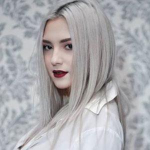 Denisa Stefanescu 3 of 5