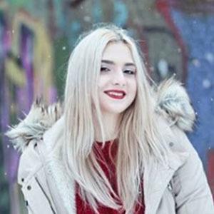Denisa Stefanescu 4 of 5