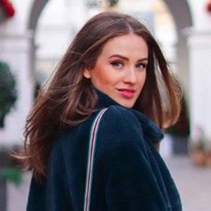 Denisa Vysnovska 3 of 6