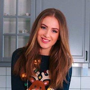 Denisa Vysnovska 4 of 6