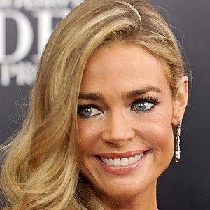 Denise Richards 4 of 10