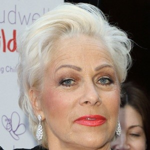 Denise Welch 8 of 10