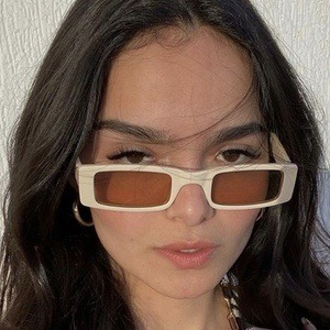 Denisse Guzman 5 of 10