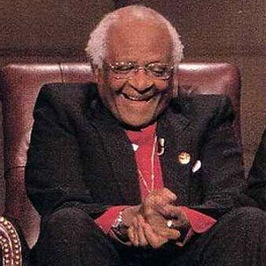 a biography of bishop desmond tutu Desmond tutu is a human rights defender and nobel prize winner from south africahe became world famous in the 1980′s as an opponent of apartheidduring that time desmond tutu was active as a bishop for the anglican church in south africa.