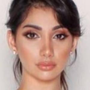 Deyana Mounira 2 of 6