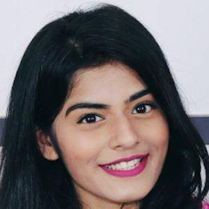 Dhwani Bhatt 5 of 10