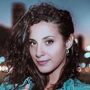 Diana Amarilla Headshot 4 of 5